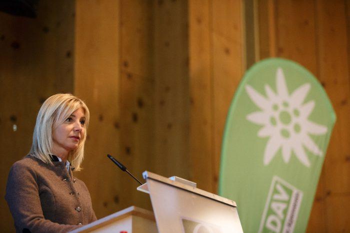 Umweltministerin Ulrike Scharf spricht ihr Grußwort. (c) Marco Kost