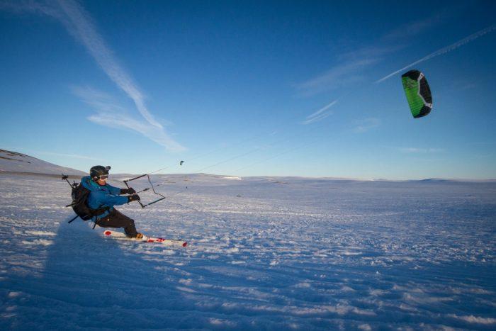 Leo Holding auf neuem Terrain: 1.000 Meilen mit dem Snowkite quer durch Grönland (c) Berghaus