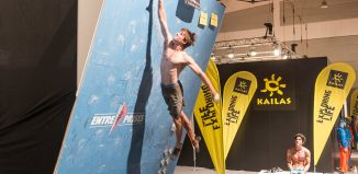 Jan Hojer beim High Jump-Contest auf der OutDoor Messe 2016 in Friedrichshafen (c) TMMS