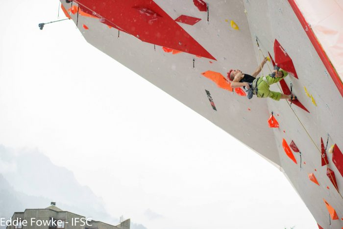 Sebastian Halenke beim Leadweltcup 2016 in Chamonix (c) IFSC/Eddie Fowke