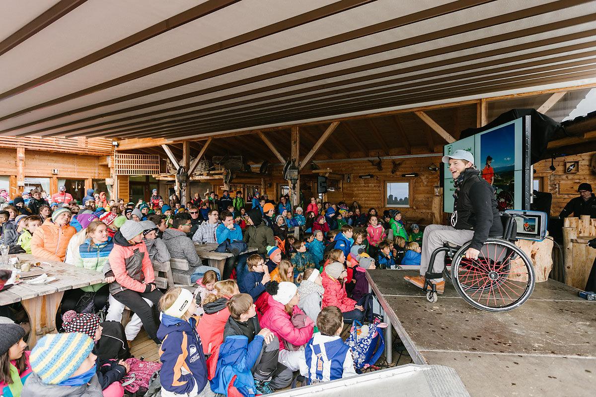 Bewegende Gipfelerlebnisse beim IMS 2016 Youth Camp (c) Simon Toplak