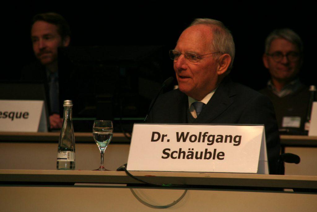 Dr. Wolfgang Schäuble spricht sein Grußwort (c) DAV/Christine Frühholz