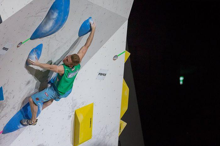 Jakob Schubert beim Boulderweltcup 2017 in Tokio (c) KVÖ / Heiko Wilhelm