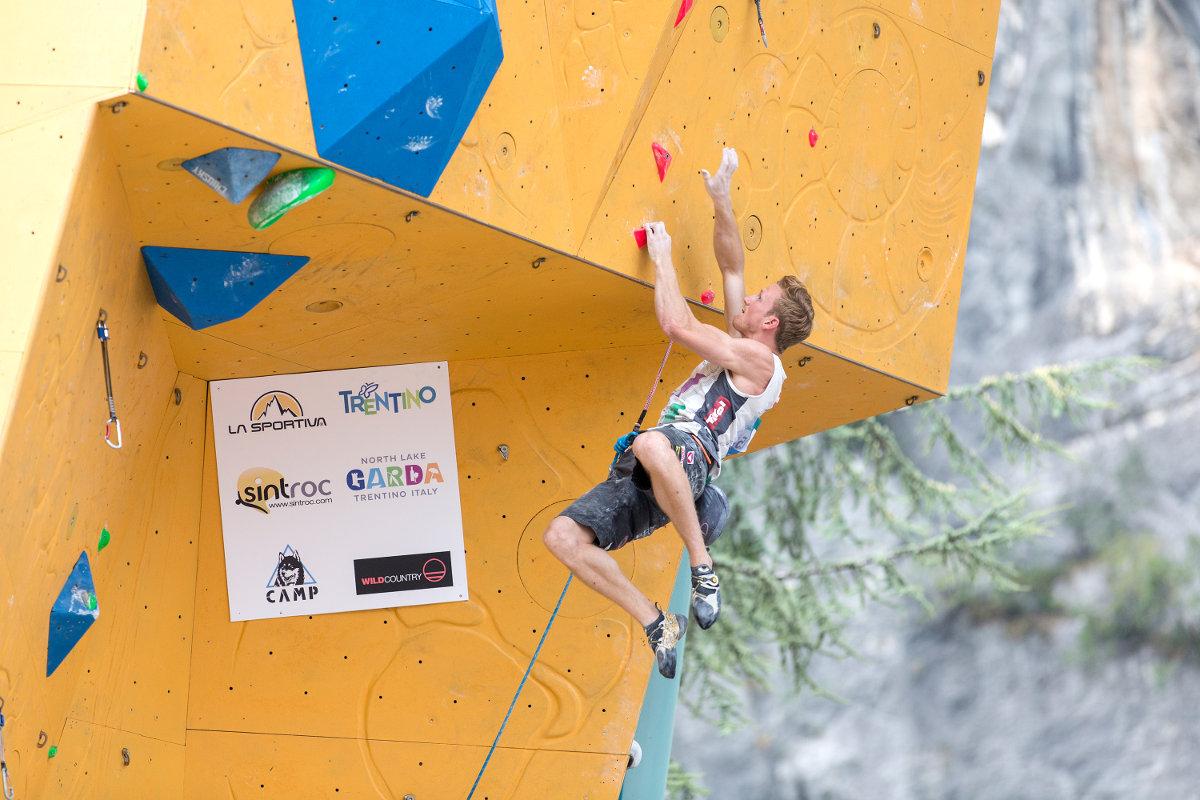 Jakob Schubert auf dem Weg zu seinem ersten Weltcup-Sieg 2017 (c) KVÖ/Heiko Wilhelm