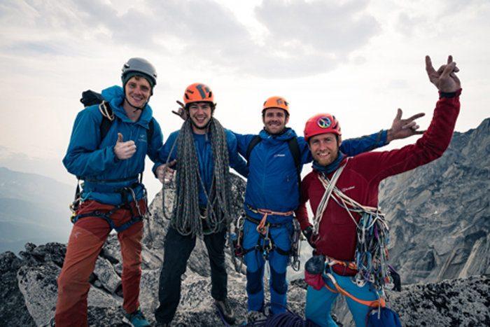 Leo Houlding und Partner Will Stanhope besteigen die Howser Towers an nur einem Tag (c) Adrian Samara