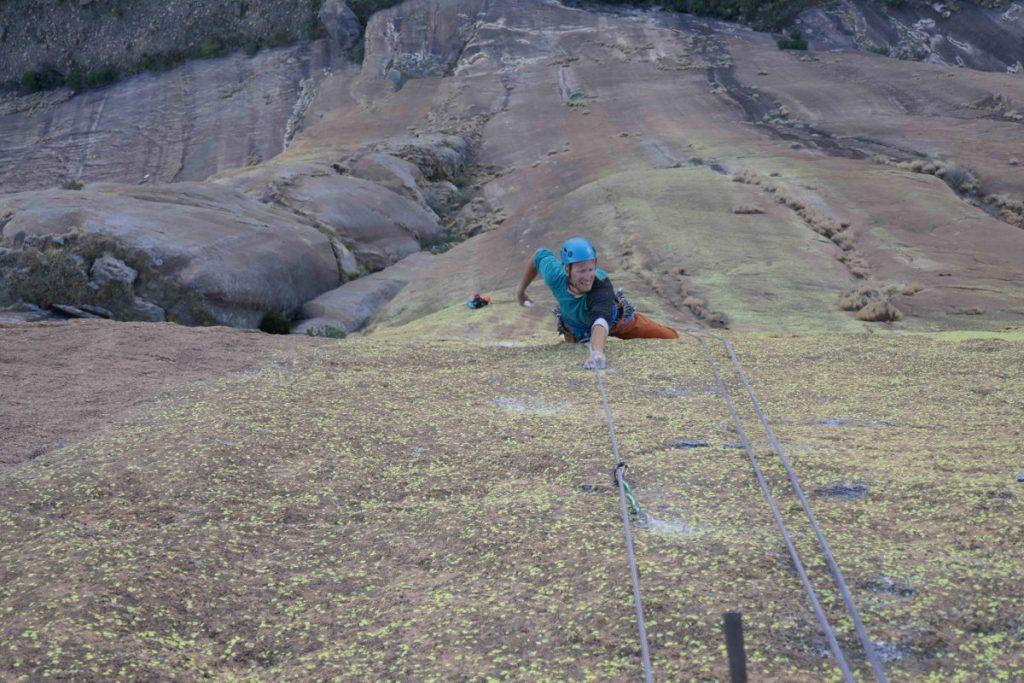 Schwierigkeiten bis in den 10. Grad beim Klettern in Madagaskar (c) Tobi Wolf