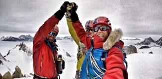 Auf dem Gipfel des Spectre: Mark Sedon, Jean Burgun und Leo Houlding (c) Berghaus