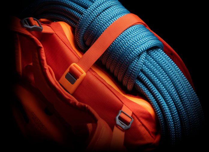 SALEWA Apex Wall: Der neue Rucksack für Bergsteiger und einen trockenen Rücken (c) SALEWA