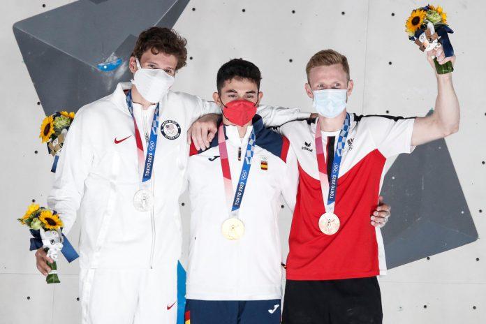 Jakob Schubert (AUT) gewinnt historische Olympia-Medaille (c) Dimitris Tosidis/IFSC