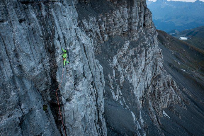 Der Südtiroler Simon Gietl in der unteren Hälfte des Eigers (c) Frank Kretschmann