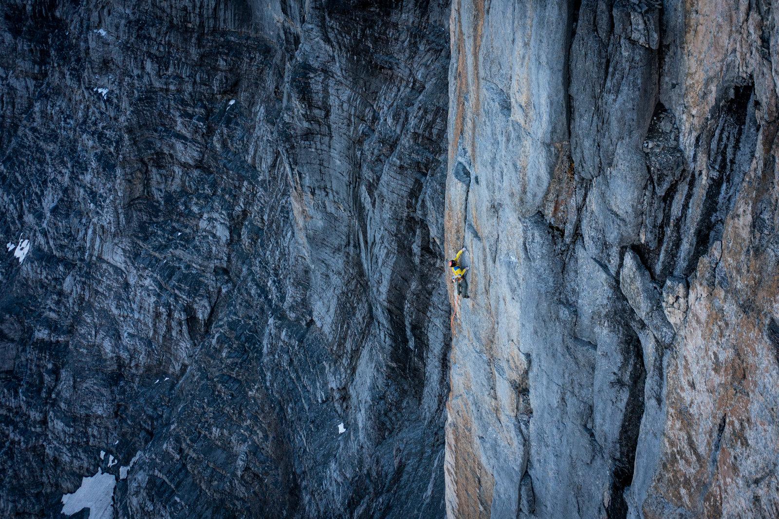 Roger Schäli im oberen Teil des Genferpfeiler in der Eiger Nordwand. (c) Frank Kretschmann